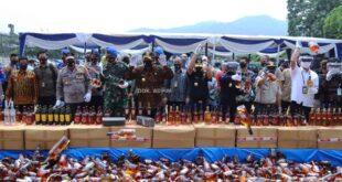 Gubernur Arinal Pimpin Langsung Pemusnahan Tembakau dan Etil Alkohol