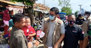 KPU Way Kanan Lakukan Sosialisasi Pilkada di Beberapa Pasar