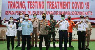 Paurkes Polres Bandara Soetta Lakukan Rapit Test Swap PCR