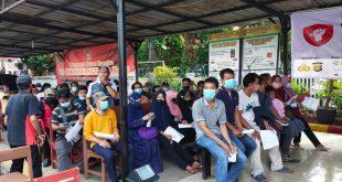 Ratusan warga antusias ikuti Vaksinasi Merdeka di Polsek jatiuwung Kota Tangerang